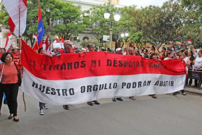 Cívicos convocan marcha para el  lunes y esperan decisión nacional