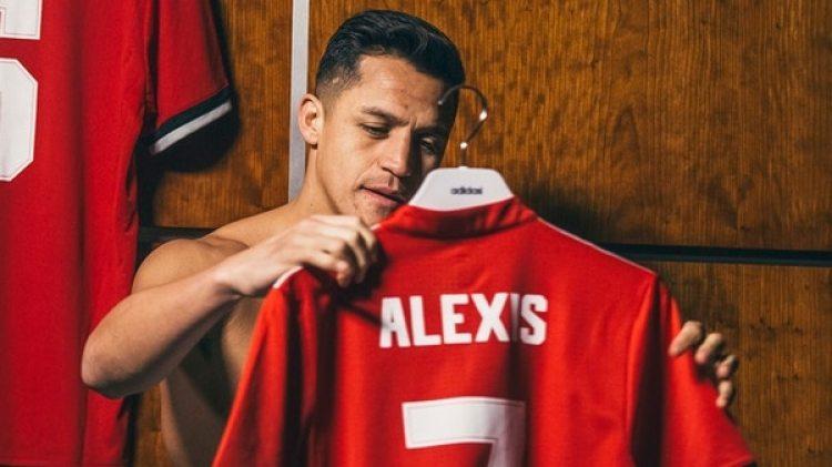 Alexis Sánchez lucirá el peligroso dorsal 7 en el Manchester United (@ManUtd)