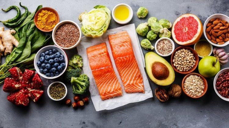 Especialistas recomiendan acudir al médico ante la presencia de cualquier sintomatología originada por los alimentos que consumes y evitar dietas de moda sin la supervisión de nutriólogos