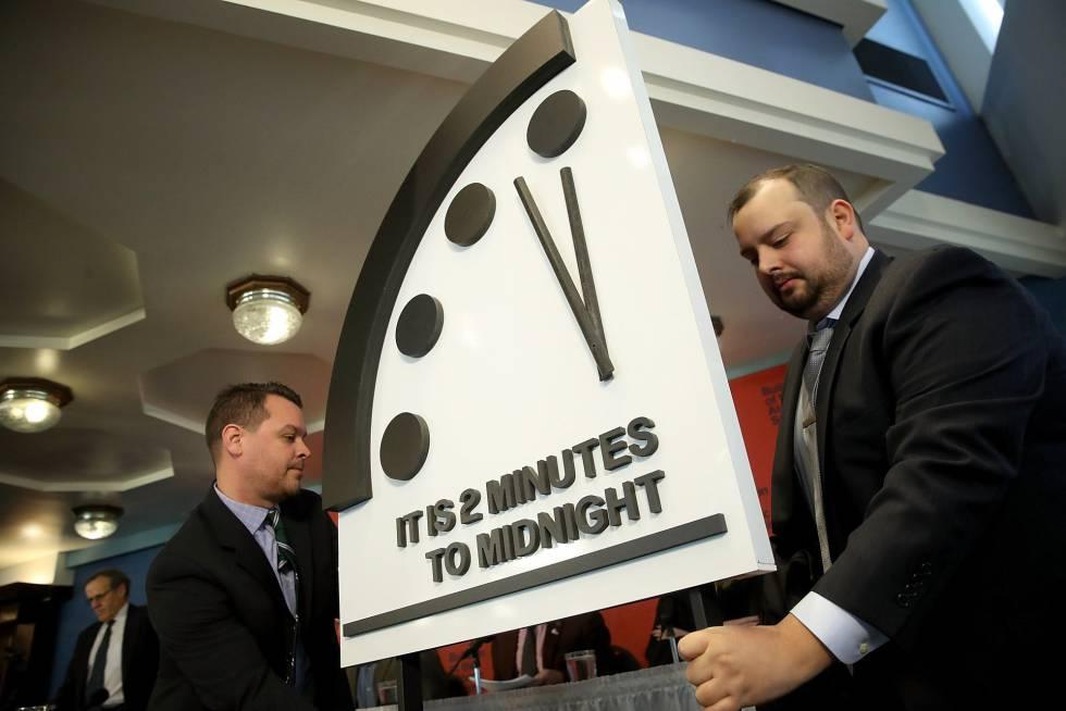 El simbólico Reloj del Apocalipsis, a dos minutos de la medianoche.
