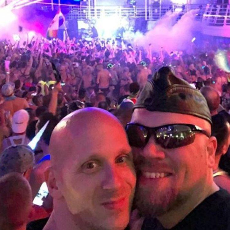 Las fiestas eran durante el día y la noche, en cubierta y en discos. El Harmony of the Seas, de Royal Caribbean, está bajo investigación por el presunto consumo de drogas a bordo (Instagram)
