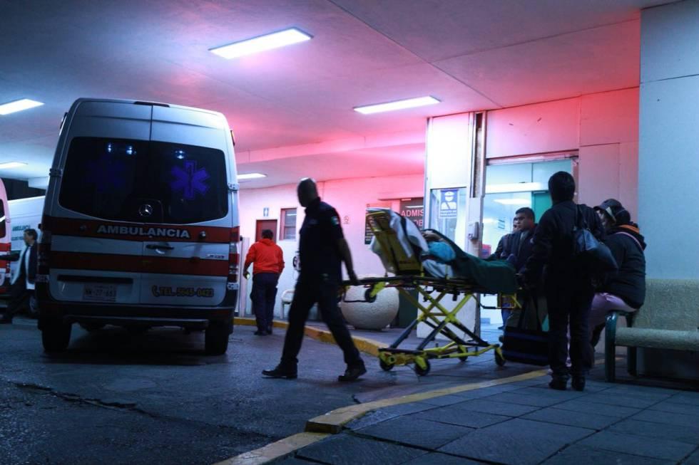 Ambulancias en el hospital Siglo XXI, de Ciudad de México.