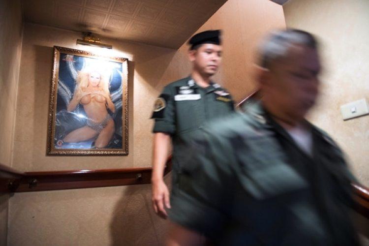 La policía allana un burdel en Bangkok (AFP)
