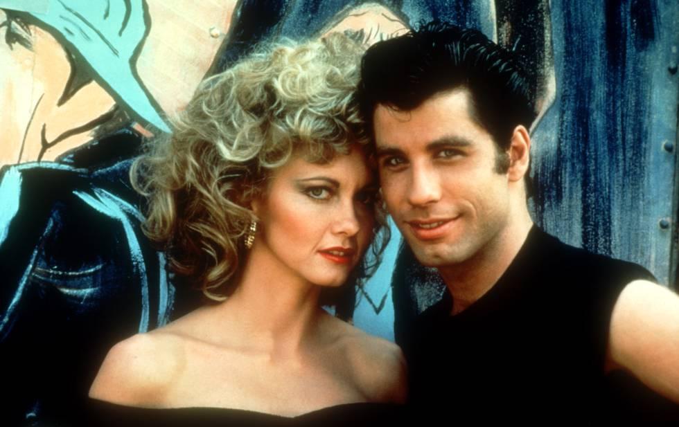 John Travolta y Olivia Newton-John, caracterizados como sus personajes en