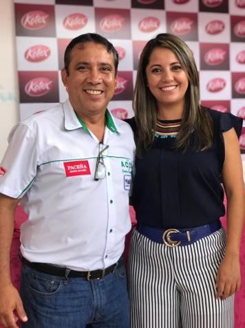Carlos Arrien Presidente de la ACCC, Jimena Butron Gerente de Categoria Kimberly Clark - copia