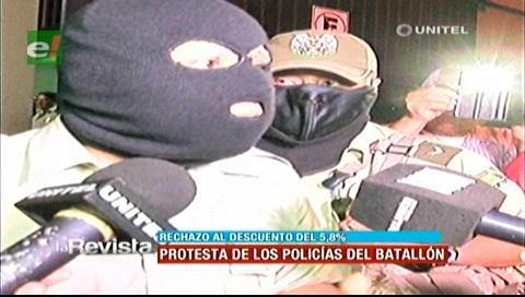 Policías en emergencia, protestaron por el descuento del 5.8% para los jubilados
