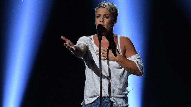 La cantante Pink entonará el himno de los Estados Unidos antes del partido (AFP)