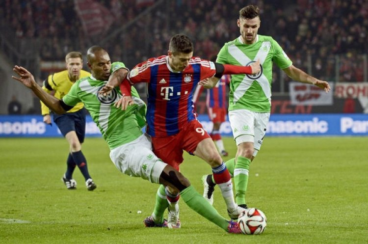 Robert Lewandowski, en general, tendrá más confianza para tirar a puerta que la mayoría de delanteros de la Bundesliga. Foto de Fabian Bimmer, Reuters