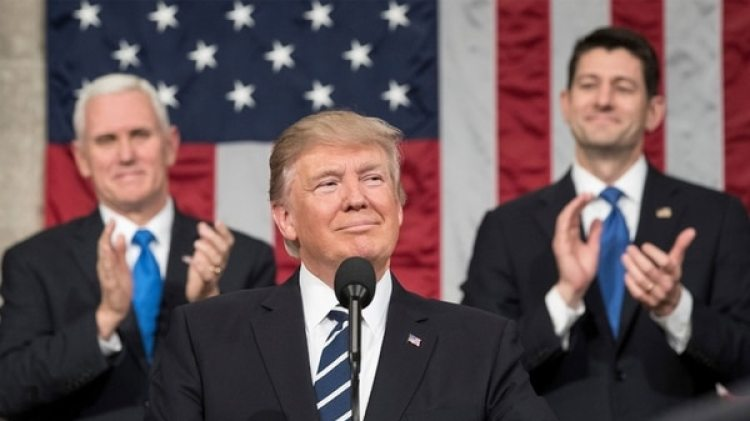 Los analistas mostraron optimismo después del gigantesco recorte impositivo impulsado por Donald Trump en diciembre