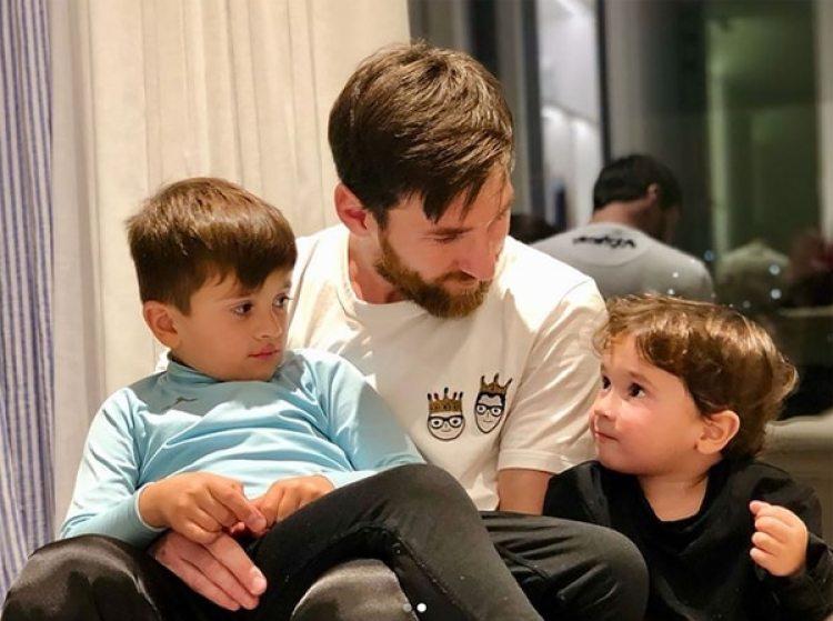 Thiago Messi tiene cinco años y Mateo, dos (@leomessi)