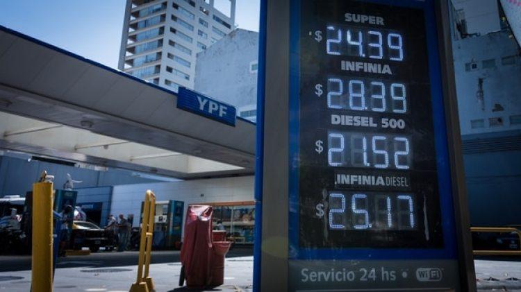 La suba del tipo de cambio se trasladó a las naftas y también a las expectativas de inflación de febrero (Martín Rosenzveig)