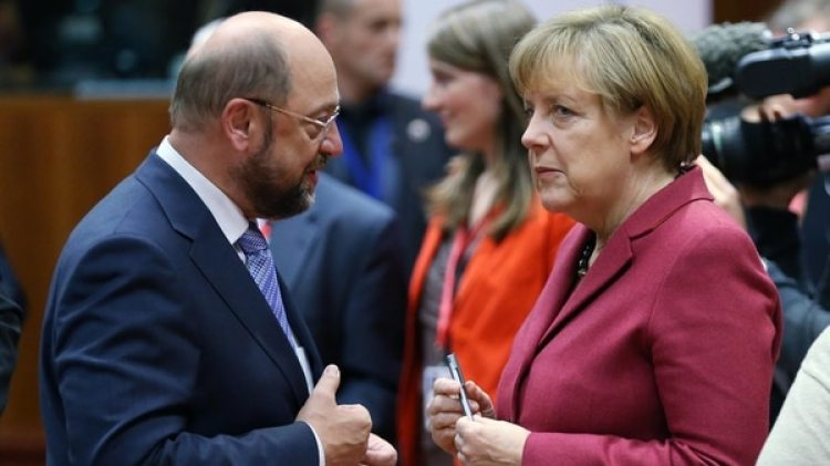 Martín Schulz, líder de la socialdemocracia, y la canciller Angela Merkel