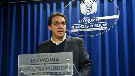 El ministro Mario Guillén