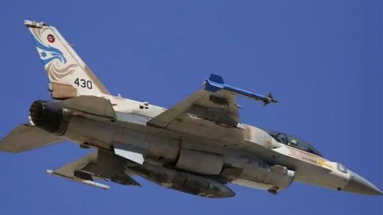 Una cazabombardero F-16 israelí fue derribado también este sábado. Sus pilotos pudieron eyectarse (Reuters)