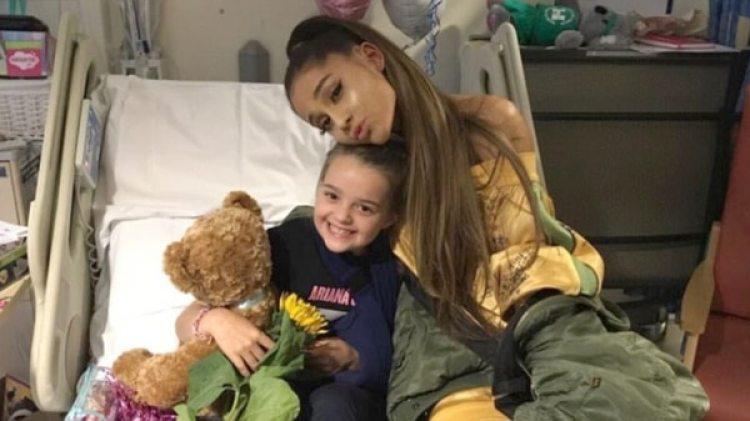 Ariana Grande visitó a las familias y víctimas del atentado.