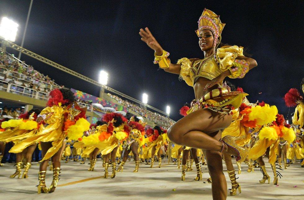 Desfile de la escuela de samba Sao Clemente en el sambódromo de Río de Janeiro (Brasil), el 12 de febrero de 2018.
