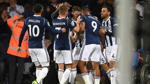 Investigan a 4 futbolistas de Liga Premier por robar un taxi