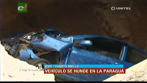 Boquete en la Paraguá y 4to anillo provoca accidente — Santa Cruz