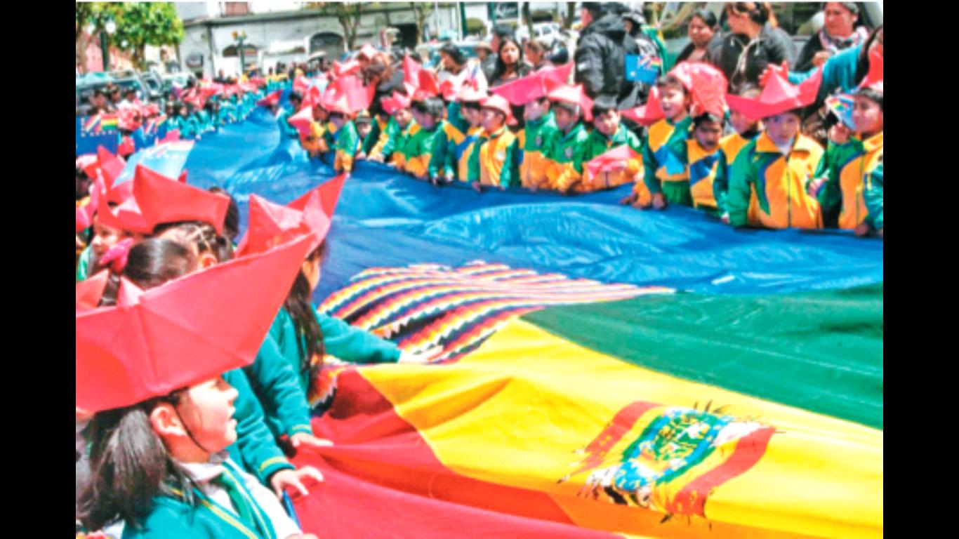 Bolivianos plantaron bandera por la salida al mar