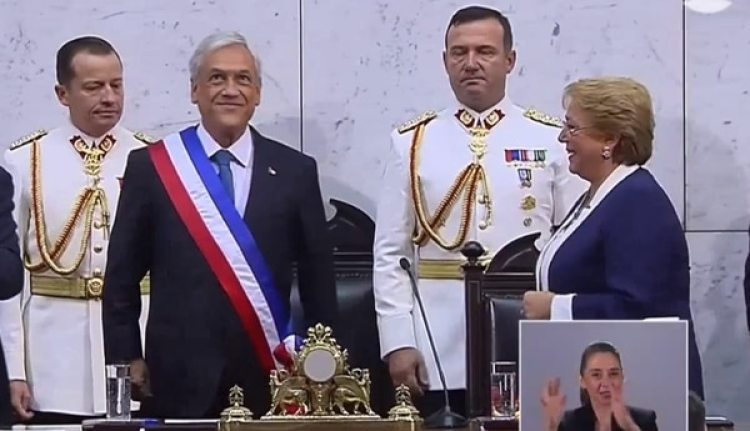 Resultado de imagen para conservador Sebastián Piñera asumó, mientras asumia hoy presidencia de chile