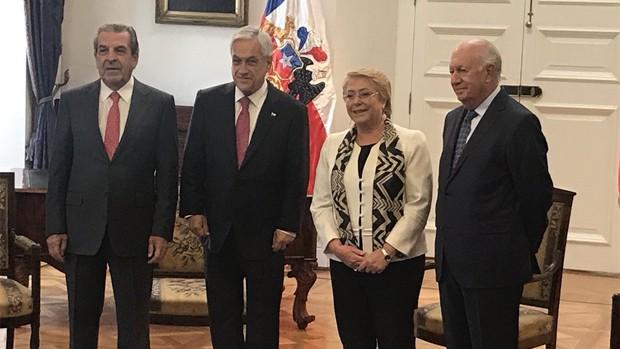 Canciller de Chile se reúne con exministros para abordar demanda marítima boliviana