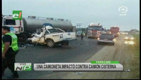 Yapacaní: Choque de camioneta con un cisterna deja dos muertos