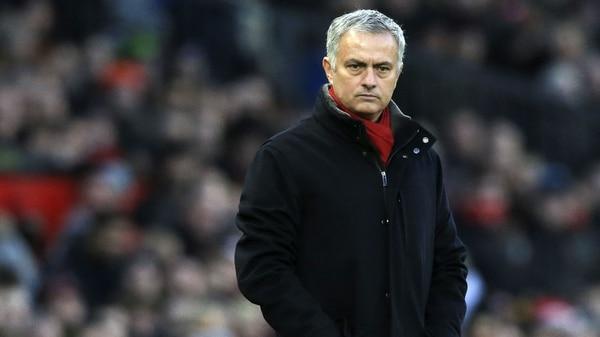 Alexis Sánchez anotó y fue figura del Manchester United frente al Swansea