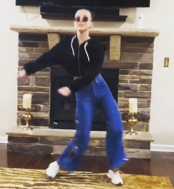Actriz de 'Stranger Things' realizó desenfrenado baile para sus seguidores ¡míralo!