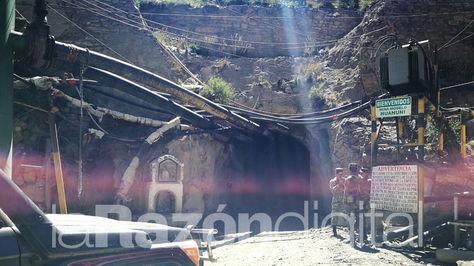 El ingreso a la bocamina donde se produjo la explosión en el centro minero Huanuni.