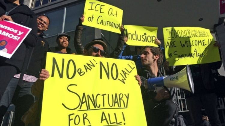 Manifestaciones en San Francisco en contra de las medidas contra los inmigrantes indocumentados (AP/Haven Daley, archivo)