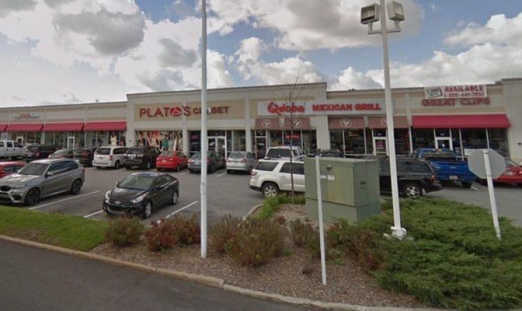 El estacionamiento de la tienda donde ocurrió el hecho
