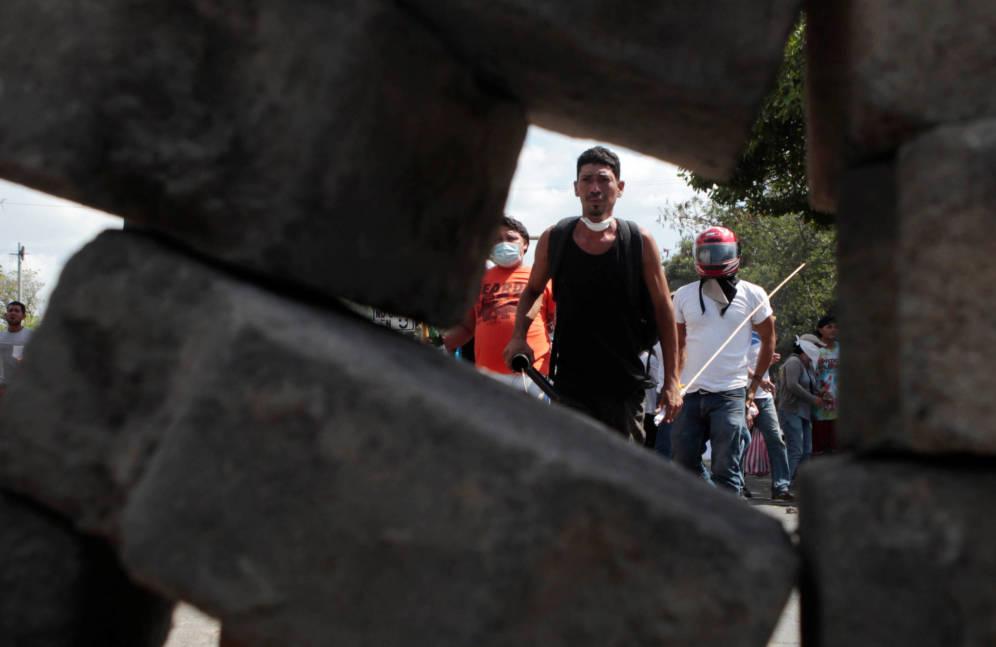 Foto: Manifestantes durante una protesta contra los planes de reforma de la Seguridad Social, en Managua. (Reuters)