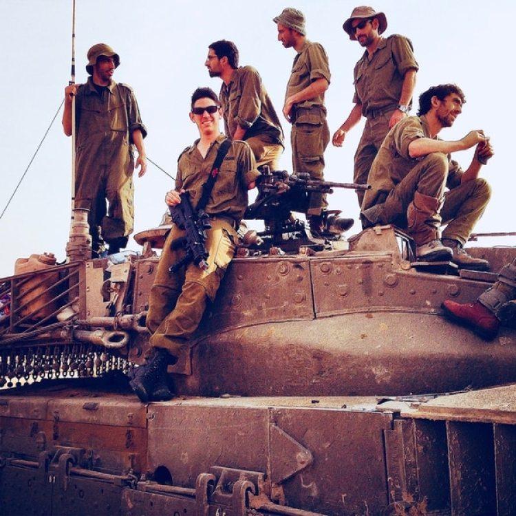 Ezagui viaja varias veces al año a Israel para continuar con su entrenamiento y es parte de las fuerzas de reserva del estado