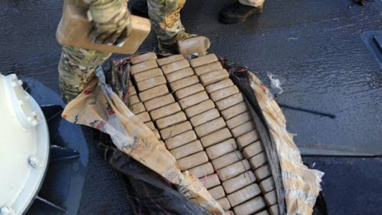 La droga decomisada se descarga en el puerto Everglades, en la ciudad de Fort Lauderdale, al norte de Miami