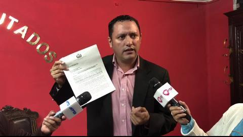 Diputado Dorado presenta pruebas de corrupción en el caso Telemedicina