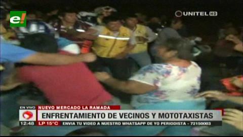 Lío por rutas: Vecinos y mototaxistas se enfrentaron fuera del nuevo mercado La Ramada