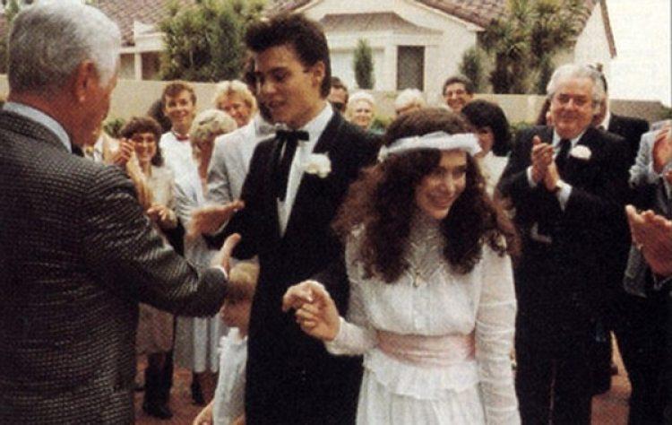 El actor se casó con la maquilladora Lori Anne Allison el 20 de diciembre de 1983