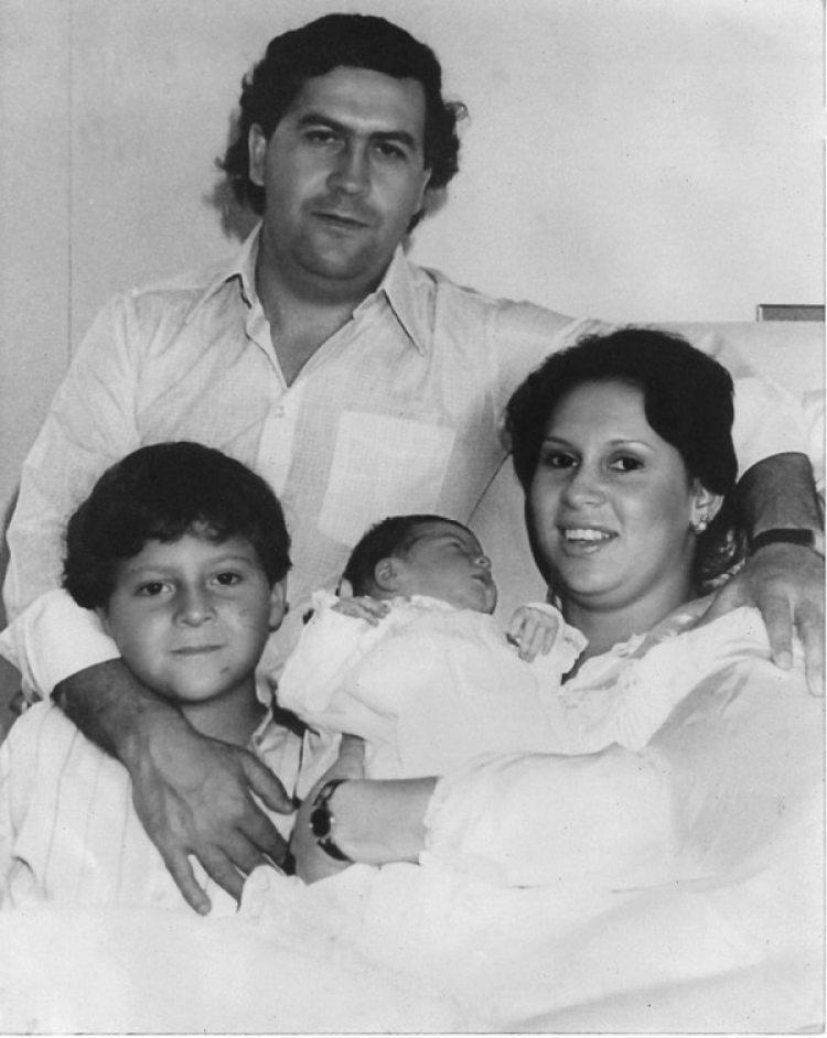 El nacimiento de Manuela en 1984 (Fotografíaálbum familiar)