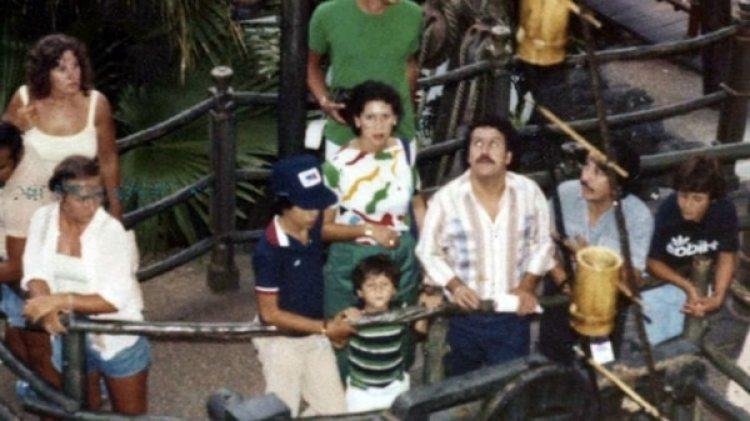Los tiempos felices: la familia de Pablo Escobar durante un viaje a Disney