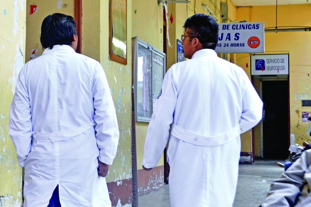 Abuso, maltrato y violencia: la pesadilla del Internado de Medicina