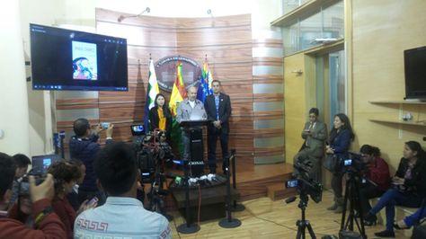 El senador Arturo Murillo en Conferencia de prensa.