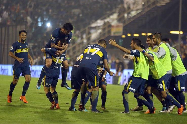 Con el empate, Boca se aseguró el título y festejó en el Bosque