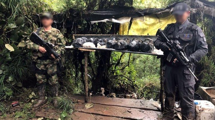 Laboratorio de producción de cocaína hallado en zona rural de Sibaté, Cundinamarca.