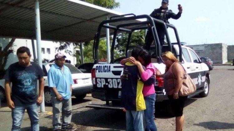 La mujer no pudo identificar el lugar donde la mantuvieron secuestrada (Cortesía de Plumas Libres)