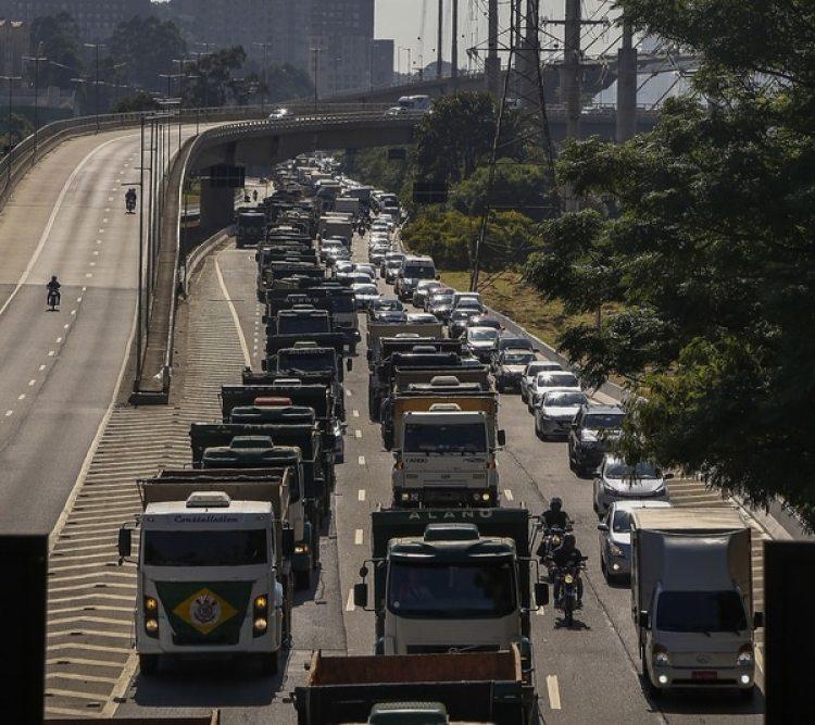 Ante el recelo de que la huelga pueda prolongarse, el presidente brasileño, Michel Temer, convocó una reunión de emergencia (AFP)