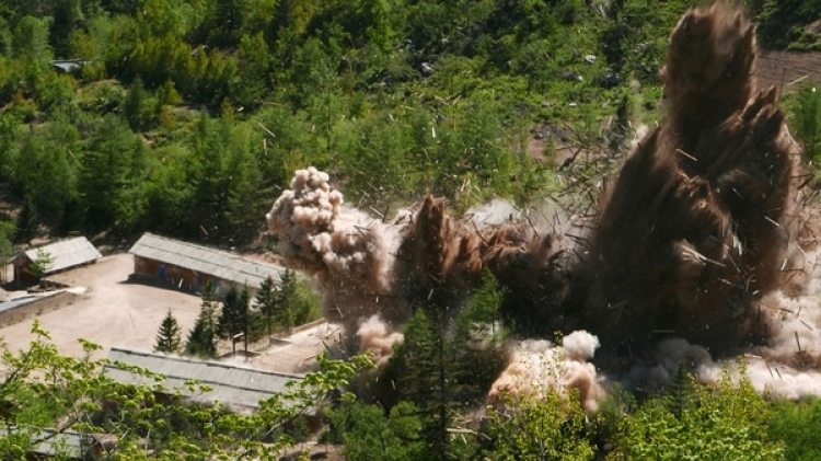 Corea del Norte destruyó este jueves los túneles de su centro de pruebas atómicas (AP)
