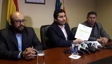 El procurador Pablo Menacho durante la conferencia de prensa de este jueves por la noche.