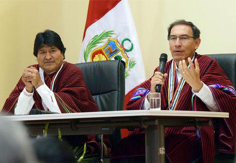 Los presidentes de Bolivia, Evo Morales y de Perú, Martin Vizcarra, en un encuentro anterior.