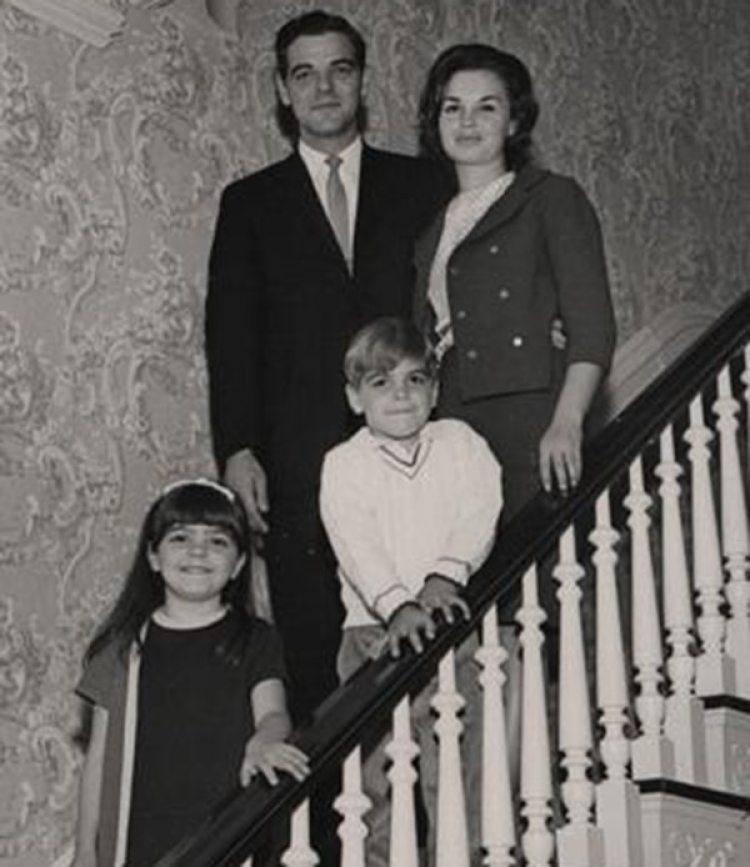 El actor con sus padres y su hermana