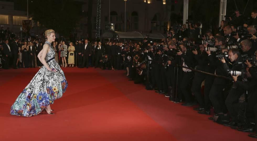 Cate Blanchett posa en la alfombra roja del Festival de Cannes el 10 de mayo de 2018.